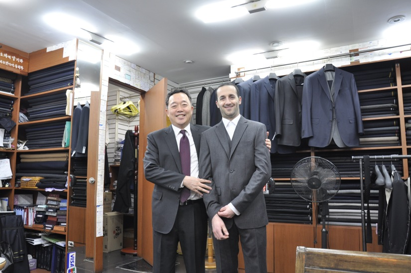 Things to buy in Korea. Korean souvenirs: tailored suits
