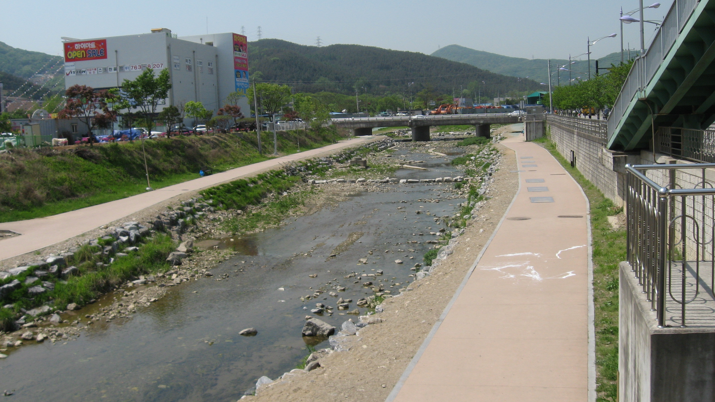 River in Gwangju-si